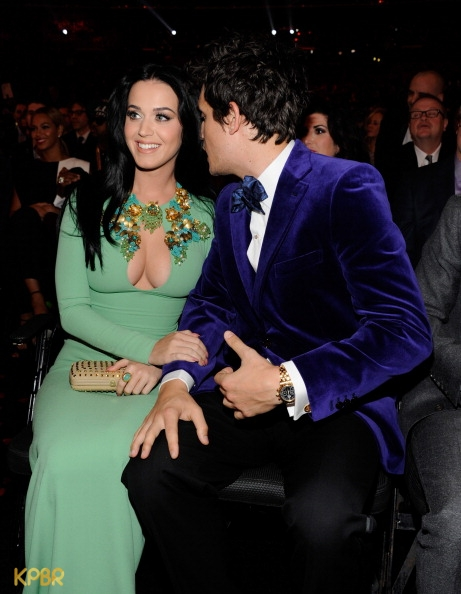 katy perry e john mayer na plateia