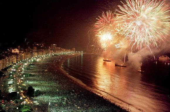 pacotes-reveillon-copacabana-rio-de-janeiro-pacotes-turisticos-promocao-ano-novo-copacabana